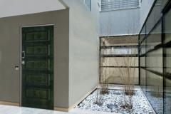 Montaggio-porta-con-serratura-elettronica-langhirano